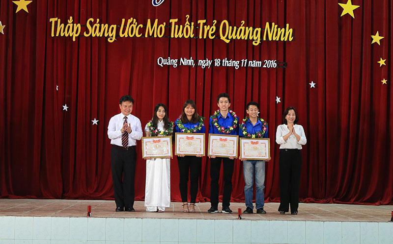 """Chương trình """"Thắp sáng ước mơ tuổi trẻ Quảng Ninh"""""""