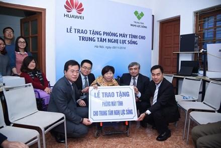 Huawei và chương trình hỗ trợ công nghệ thông tin trị giá 1 triệu USD