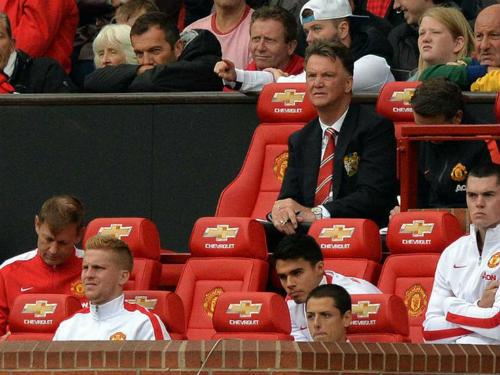"""MU 4 đại chiến/10 ngày: Mourinho sợ """"dớp"""" Van Gaal."""