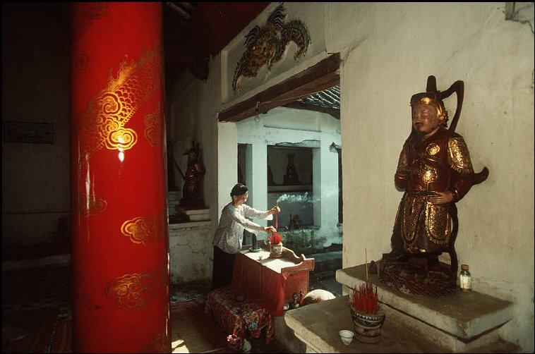 nhung-hinh-anh-tuyet-voi-ve-quang-ninh-nam-1994-1995-18.jpg