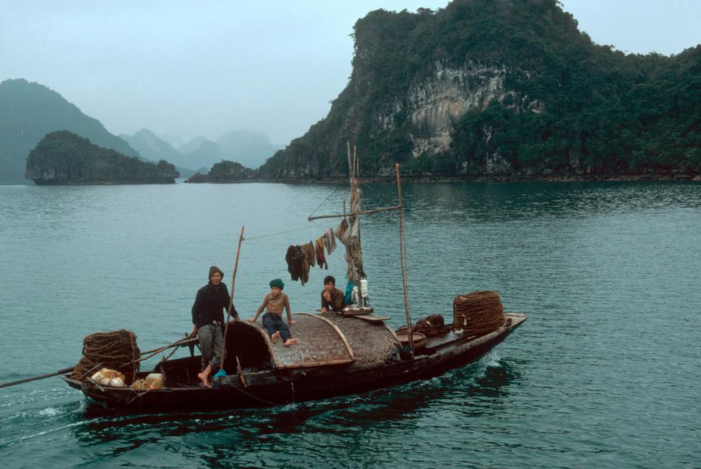 Những hình ảnh tuyệt vời về Quảng Ninh năm 1994 - 1995