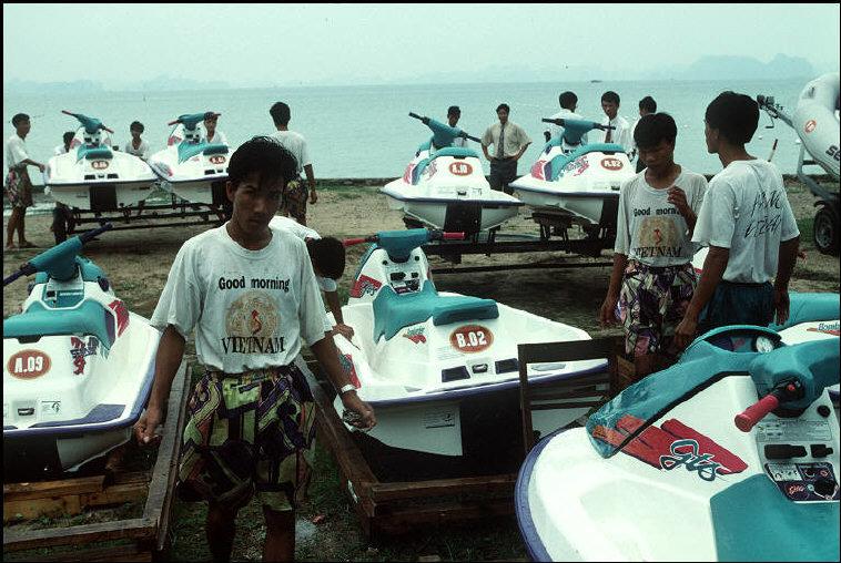 nhung-hinh-anh-tuyet-voi-ve-quang-ninh-nam-1994-1995-6.jpg