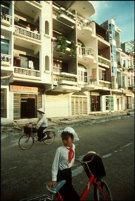 nhung-hinh-anh-tuyet-voi-ve-quang-ninh-nam-1994-1995-7.jpg